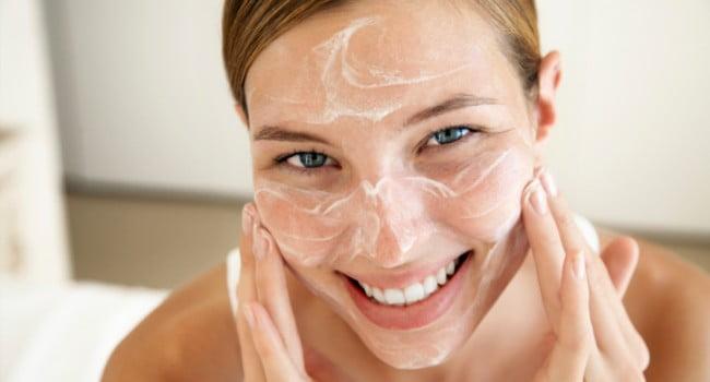 Peeling migdałowy na twarz