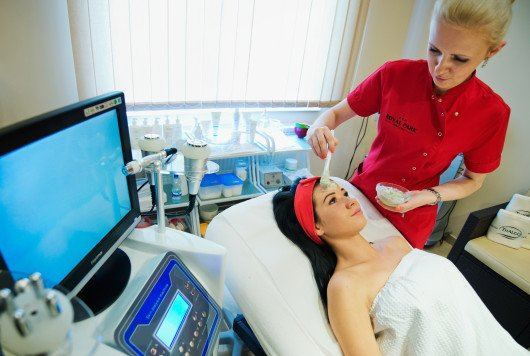 Maseczka pielęgnacyjna na twarz i dekolt - Instytut SPA & Wellnes
