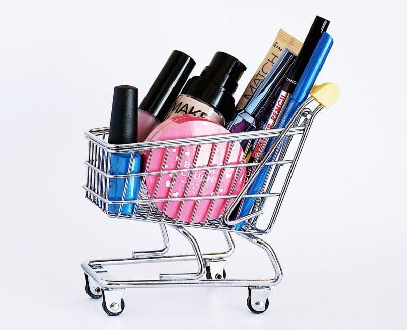 Koszyk z kosmetykami