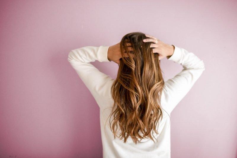 Olejowanie włosów poprawia ich kondycję